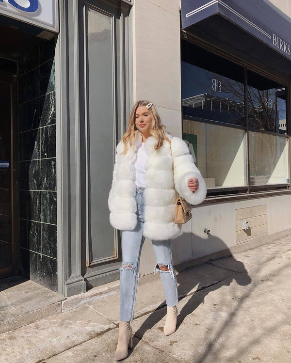 coat faux fur coat white coat high waisted jeans cropped jeans ripped jeans sock boots bag white t-shirt