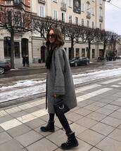 shoes,leather boots,lace up,black skinny jeans,handbag,black bag,oversized coat,plaid,grey coat,scarf