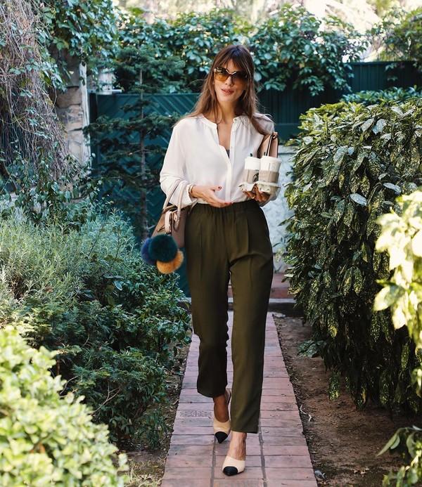 pants high waisted pants white blouse shoulder bag slingbacks