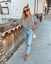 top,blouse,ripped jeans,flat sandals,white bag