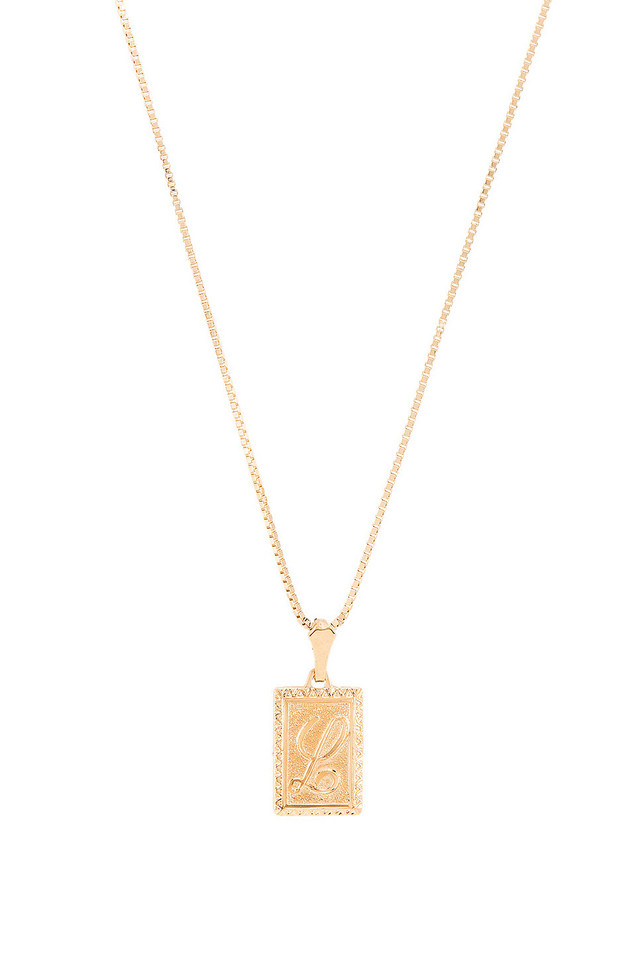 Vanessa Mooney The London L Initial Necklace in gold / metallic