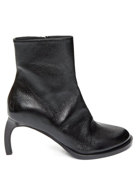 Ann Demeulemeester - Curved-heel Grained-leather Ankle Boots - Womens - Black