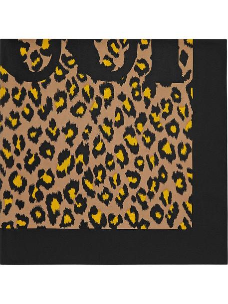 Gucci Silk scarf with leopard print in neutrals