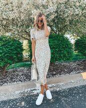 dress,midi dress,floral dress,short sleeve dress,white dress,white sneakers,transparent  bag