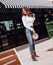 top,white top,long sleeves,crop tops,high waisted jeans,skinny jeans,ankle boots,brown boots,handbag
