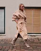 coat,oversized coat,long coat,stripes,knee high boots,heel boots,tights,white t-shirt,sunglasses