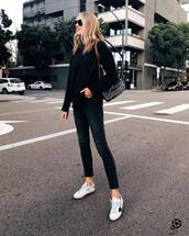 sweater,black sweater,white sneakers,black skinny jeans,black bag,shoulder bag,black sunglasses