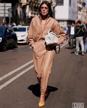 jumpsuit,long sleeves,leather,pumps,white bag