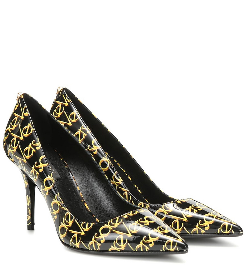 Versace Logo patent leather pumps in black