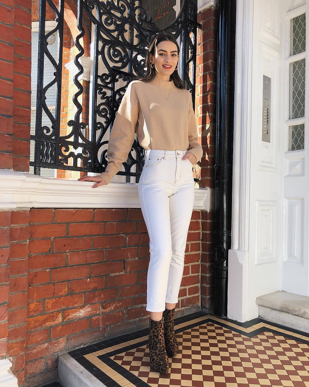 sweater turtleneck sweater cropped turtleneck white jeans skinny jeans high waisted jeans leopard print brown boots ankle boots