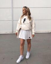 skirt,white skirt,mini skirt,sweatshirt,bag