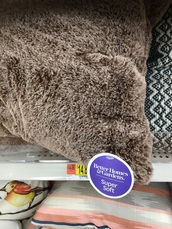 home accessory,fluffy,brown,pillow