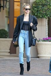 jeans,hailey baldwin,celebrity,denim,top,fall outfits