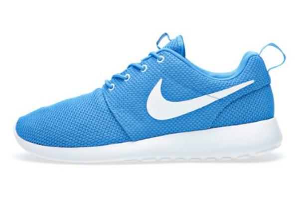 shoes, nike roshe run, light blue