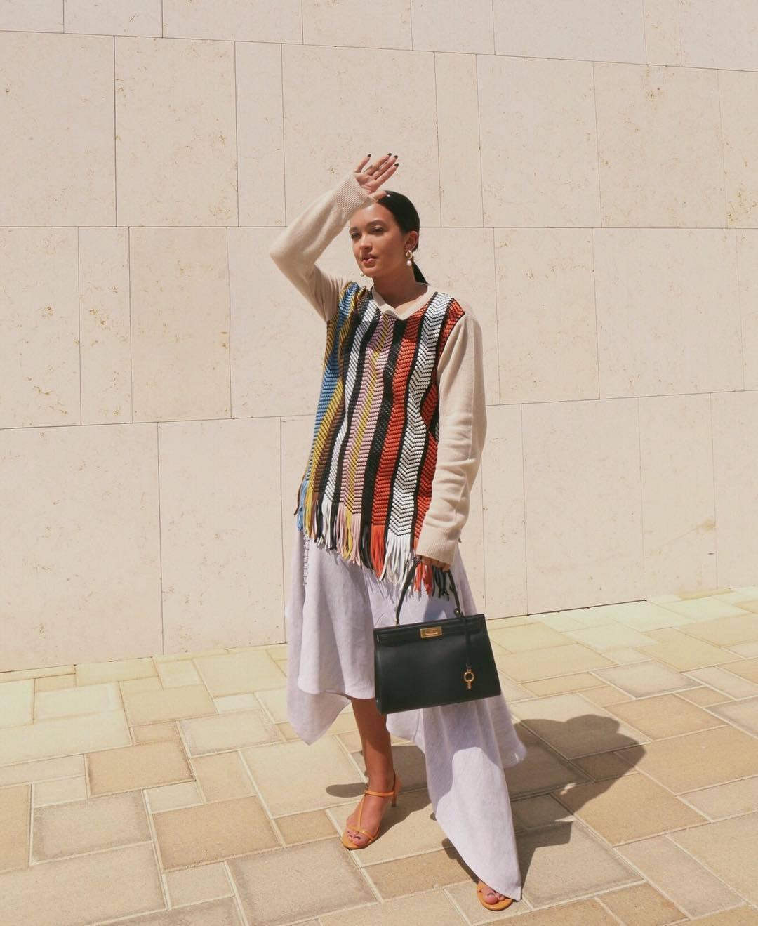sweater leather asymmetrical skirt white skirt black bag sandal heels