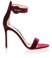 shoes,burgundy,heels,suede