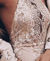 dress,gold,mini,backless,halterneck,detailed