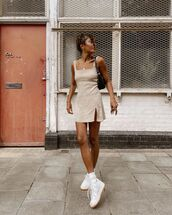 dress,mini dress,slit dress,sleeveless dress,white sneakers,black bag