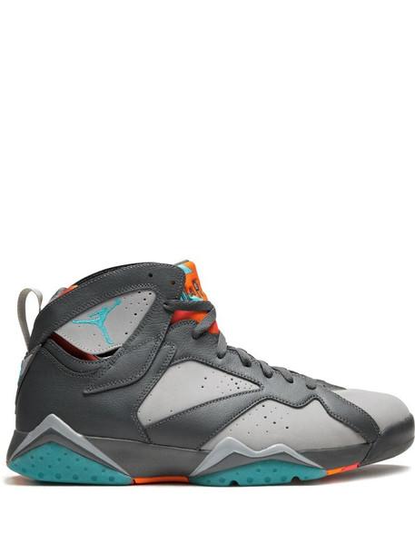 """Air Jordan 7 Retro """"Barcelona Nights"""" sneakers in grey"""