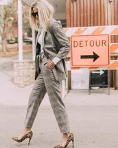jacket,plaid blazer,boyfriend,grey blazer,plaid,high waisted pants,pumps,leopard print,white turtleneck top