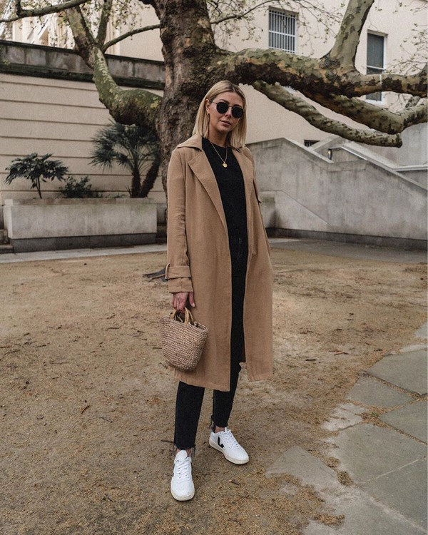 coat trench coat mango white sneakers handbag black skinny jeans cropped jeans black sweater