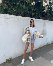sweater,cardigan,white sneakers,bag,shorts,white t-shirt