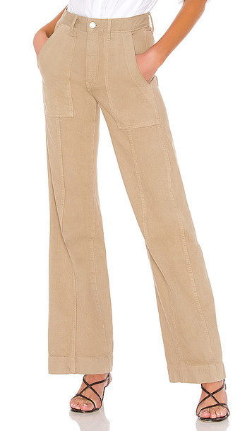 TRAVE Jacinda Pant in Army in sand