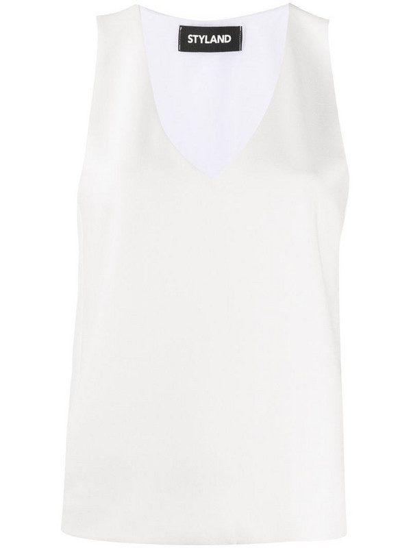 Styland loose V-neck top in white