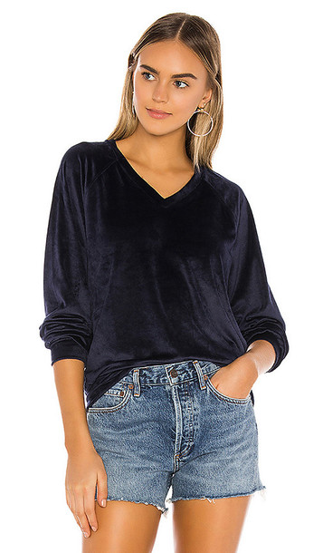 Bobi Plush Knit Pullover in Blue