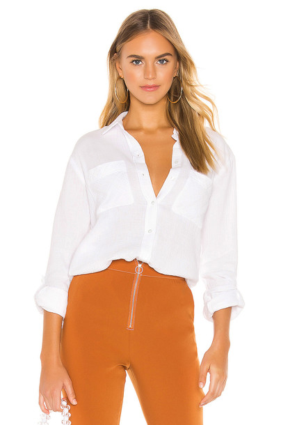 1. STATE Patch Pocket Roll Tab Double Gauze Top in white