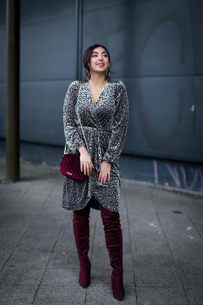 samieze blogger dress shoes bag boots thigh high boots red bag