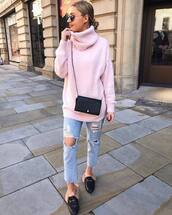 sweater,turtleneck sweater,pink sweater,knitted sweater,black loafers,mules,cropped jeans,ripped jeans,black bag,crossbody bag