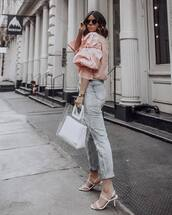 top,pink blouse,high waisted jeans,cropped jeans,white sandals,transparent  bag