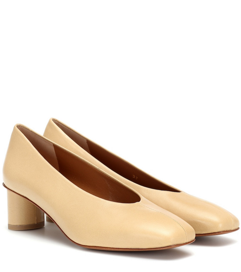 LOQ Camila leather pumps in beige