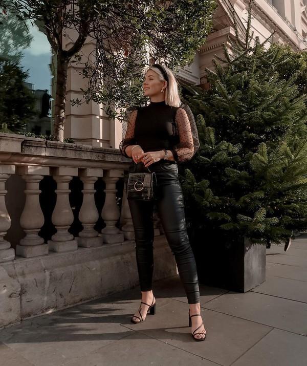 pants black leather pants black sandals black bag black top