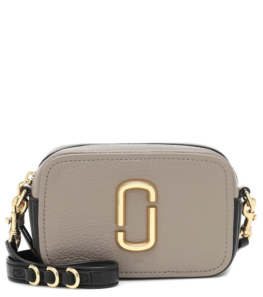 Marc Jacobs Softshot 17 leather crossbody bag in grey