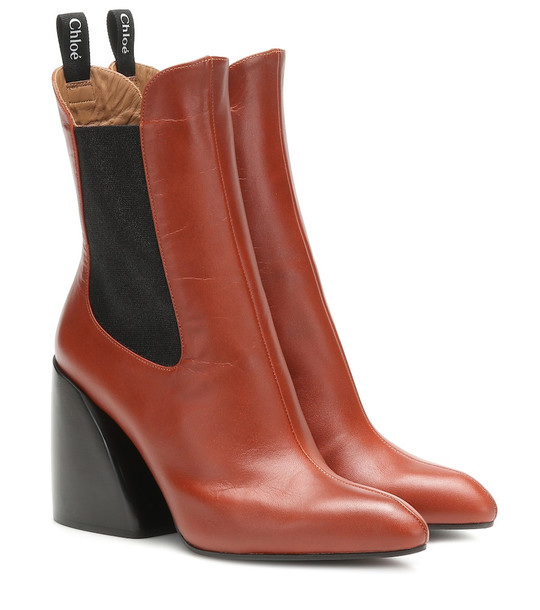 Chloé Wave leather ankle boots in brown