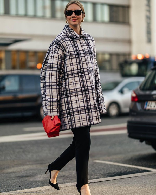 pants black leggings pumps handbag plaid oversized jacket black sunglasses
