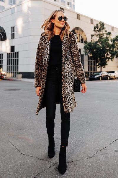 fashionjackson blogger coat sweater jeans shoes bag sunglasses faux fur coat leopard print ankle boots black boots black skinny jeans black sweater black bag