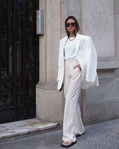 pants,wide-leg pants,white blazer,flat sandals,white t-shirt
