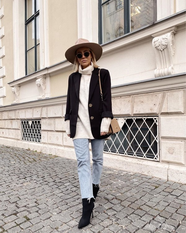 sweater turtleneck sweater white sweater black blazer black boots straight jeans hat bag