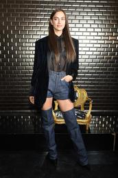 shorts,irina shayk,celebrity,model off-duty,denim shorts,blouse,top