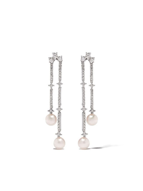 Yoko London 18kt white gold Sleek Akoya pearl and diamond earrings in silver