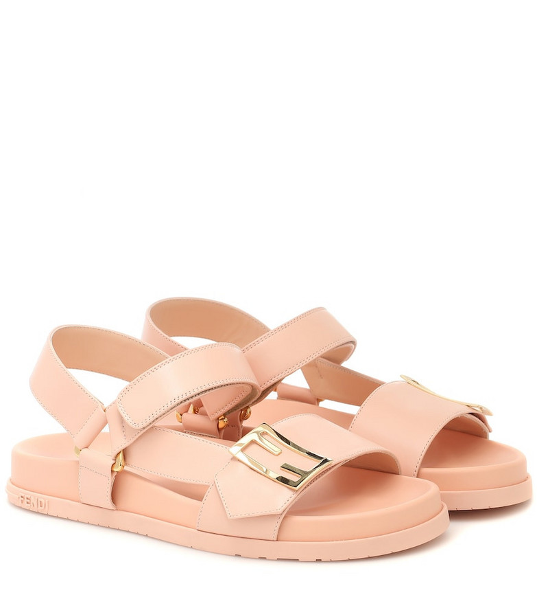 Fendi Leather sandals in pink