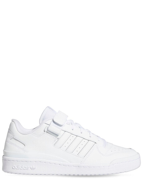 ADIDAS ORIGINALS Forum Low Sneakers in white