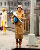 sweater,turtleneck sweater,midi skirt,knee high boots,blue bag