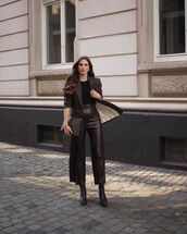 pants,wide-leg pants,high waisted pants,black boots,blazer,top,bag