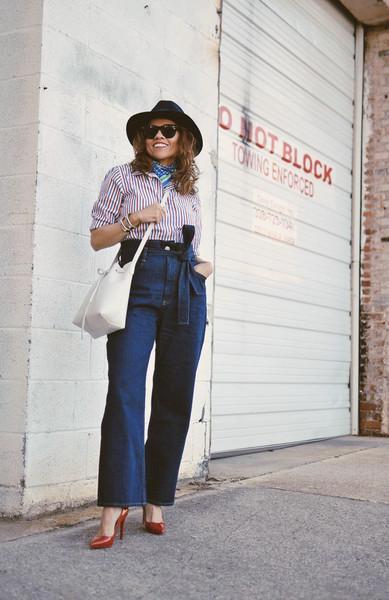 mysmallwardrobe blogger jeans shirt bag hat shoes sunglasses