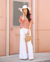 top,floral shirt,short sleeve,wide-leg pants,white pants,high waisted pants,platform sandals,wood,handbag,sun hat