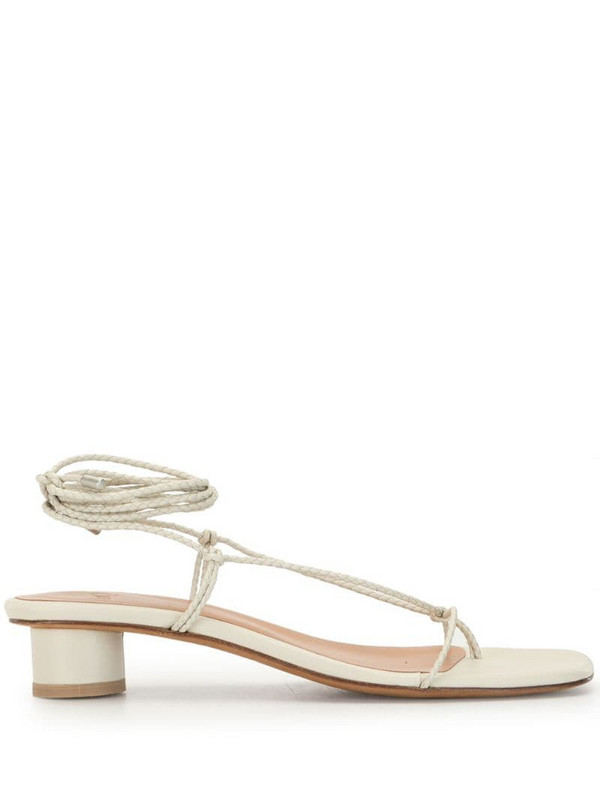 Loq Dora sandals in white